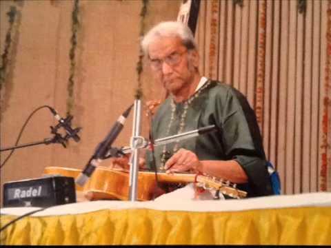 Pt. Brij Bhushan Kabra, the genius of Indian Classical Guitar, presenting Raga Puria Dhanashri.