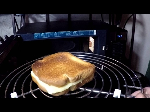 How to make grilled cheese on toast in the oven