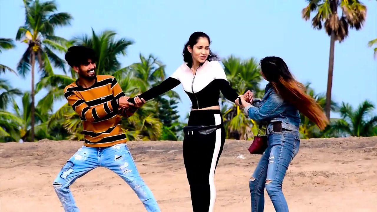 Yoga वाली लड़की के साथ किया Romance Prank | (Prank Gone wrong) | Bharti Prank