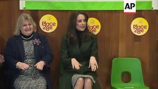 Kate joins Scottish pupils for tennis session