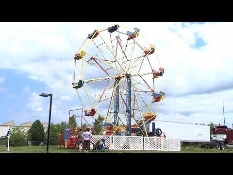 Time lapse: Building the Ferris wheel for La Fete de Marquette