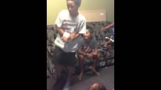 """EPIC FAIL Kids attempt """"Gangnam Style"""" in KARAOKE... Nek Minit Mo!"""