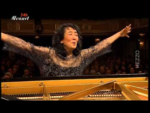 Mozart: Concerto for piano and Orchestra (d-minor) K.466, Uchida
