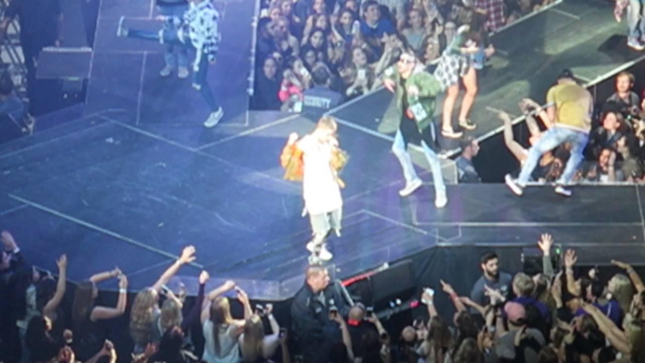 Baby - Justin Bieber, Purpose Tour Toronto - YouTube