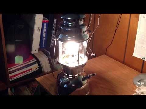 Coleman Lanterns, Lighting a Petromax