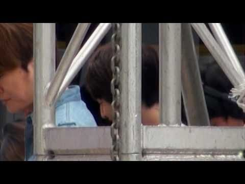 [FANCAM] Peeping At Onew @ H TV