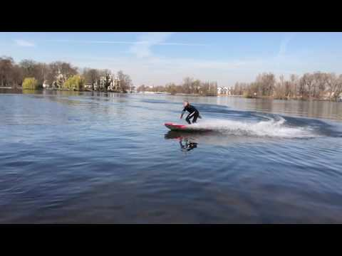 Waterwolf Berlin - Electric Surfboarding - raw cut