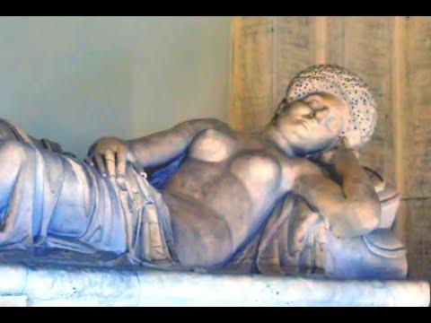Vatican Museums: a treasure of artworks , Sistine chapel, Michelangelo , Raphael Rooms