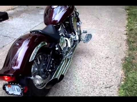 Yamaha vstar 1100 custom w cobra exhaust