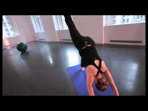 Yoga Tutorial: 3 Legged Down Dog / Downdog Split [hips leveled]