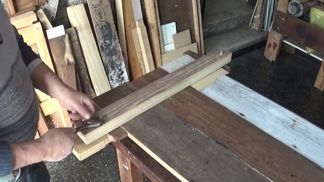 C mo hacer una mesa con madera reciclada youtube for Crear una cubierta de madera