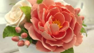 Красивый и яркий букет цветов ручной работы «Настроение» можно подарить женщине на день рождения.
