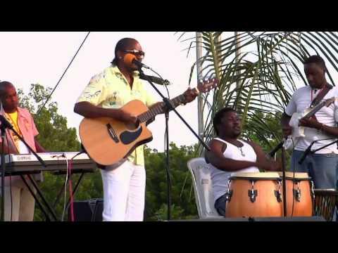 Harry Kimani - Haiya (Live Performance @ The Kilifi Festival Sept 2012)