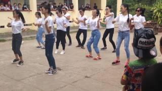 Quăng tao cái boong nhảy dân vũ lớp 12c2 THPT Khánh Hưng 2016-2017