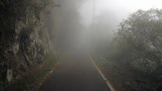 從溪頭天文台回程( 天文台至神木全程5.7公里) 的山嵐朦朧美.---民國104 ...