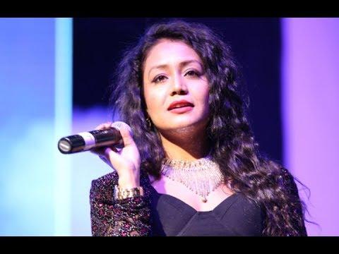 Neha Kakkar Live 2017   Mere Rashke Qamar - Aaj Blue Hai Pani - Kala Chashma