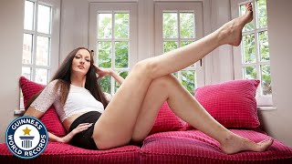 Woman with the longest legs - Meet the Record Breakers thumbnail