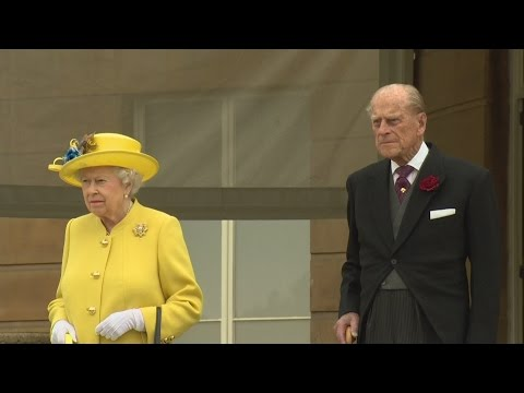 One minute silence observed by Queen at Buckingham Palace
