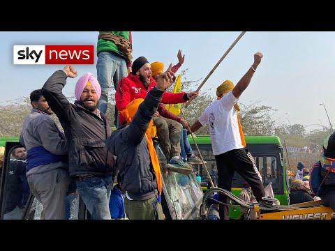 India: Tear gas