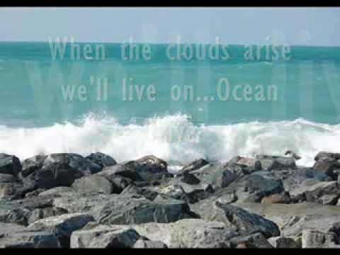 LIGHTHOUSE FAMILY - OCEAN DRIVE (VIDEO & LYRICS) DINO MAGKASI