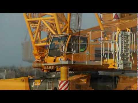 Liebherr - LR 1600/2-W: 600 tonne crawler crane on narrow crawler travel  gear
