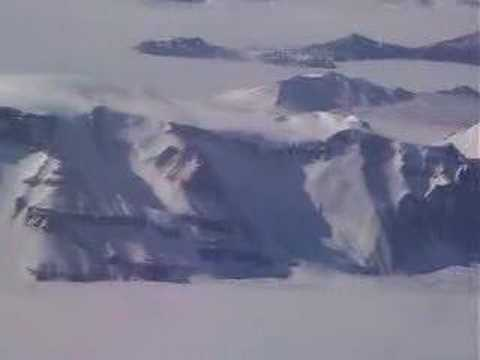 Transantarctic Mountains on the way to the South Pole