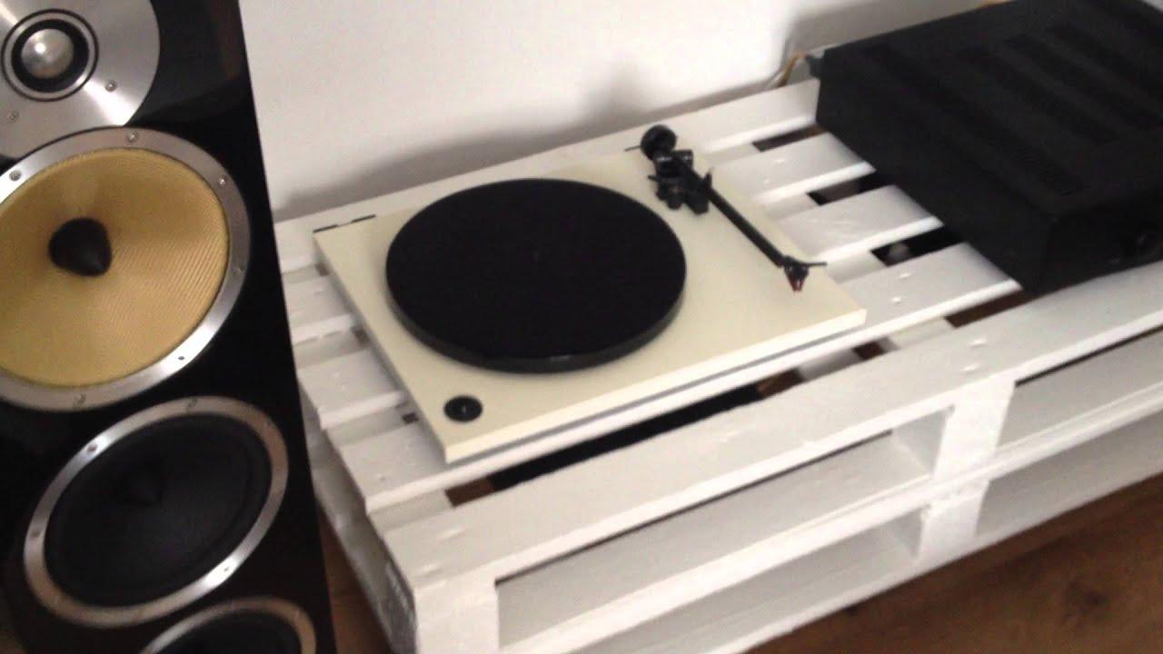 b w cm9 and hegel h100 youtube. Black Bedroom Furniture Sets. Home Design Ideas