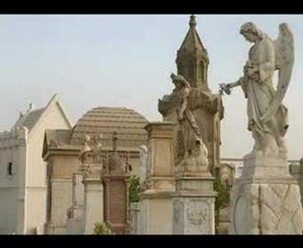 Cementerio (Carmencita Lara)