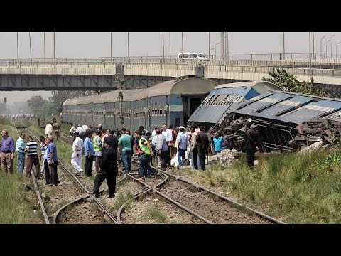 إصابة 15 شخصا بعد انحراف قطار عن مساره في مصر  - نشر قبل 3 ساعة