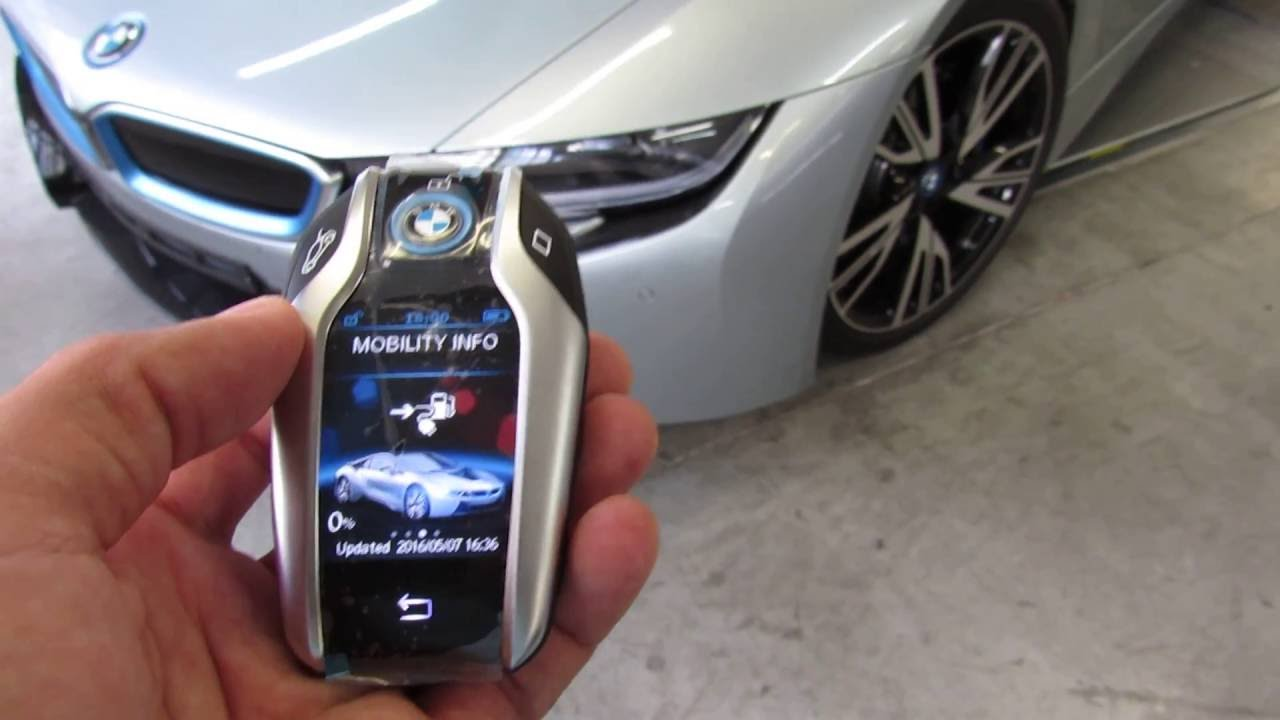 bmw i8 touchscreen display key fob youtube. Black Bedroom Furniture Sets. Home Design Ideas