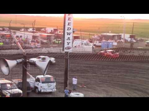 Macon Speedway Hornet feature quick clip 7-15-2017.