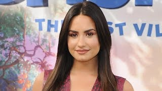 Demi Lovato SPOTTED Holding Hands With Rumored Girlfriend & Twitter Freaks Out