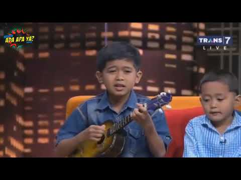 Lagu Dia- Anji  Versi Pengamen Cilik : Deddy Dan Opi Kumis Ketawa Jungkir Balik Di Hitam Putih