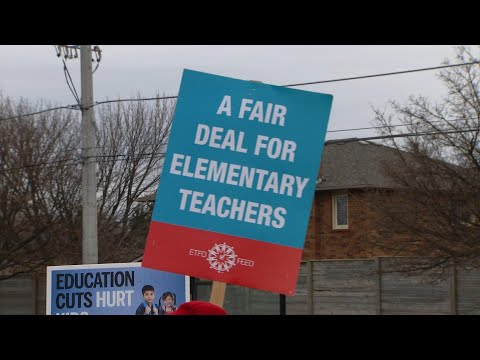 Public elementary teachers' union threatens to escalate job action