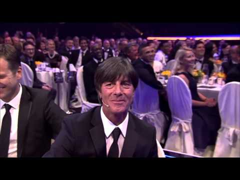 Bill Murray sings to Joachim Löw, Laureus Sports Awards, Berlin, 18.04.2016