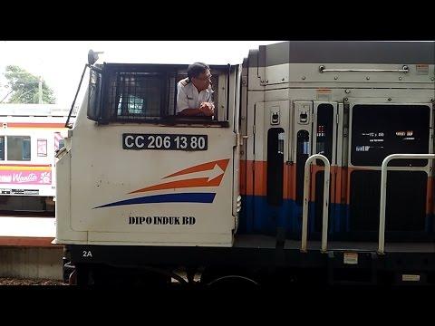 Detik-Detik Keberangkatan Kereta Api Argo Parahyangan