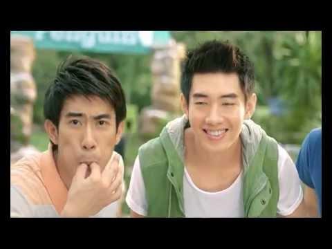 Quang Đăng nhảy với chim cánh cụt - 7up commercial