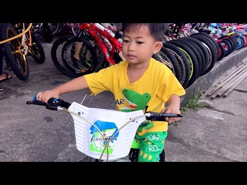 GALAU!! Rafa ke Toko Sepeda Beli Sepeda Anak Roda 4 | Dapat Hadiah Karena Berani Tidur Sendiri