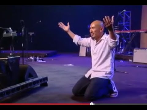 Francis Chan speaking at IHOP-KC's Onething 2013