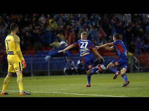 Stunning backheel volley lights up A-league semi-final