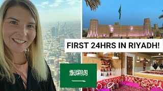 SAUDI ARABIA FIRST IMPRESSIONS! From a solo, independent, female, traveller! Riyadh Vlog!