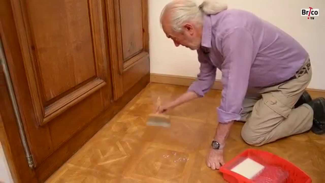r nover revernir un parquet vitrifi bricolage avec robert youtube. Black Bedroom Furniture Sets. Home Design Ideas