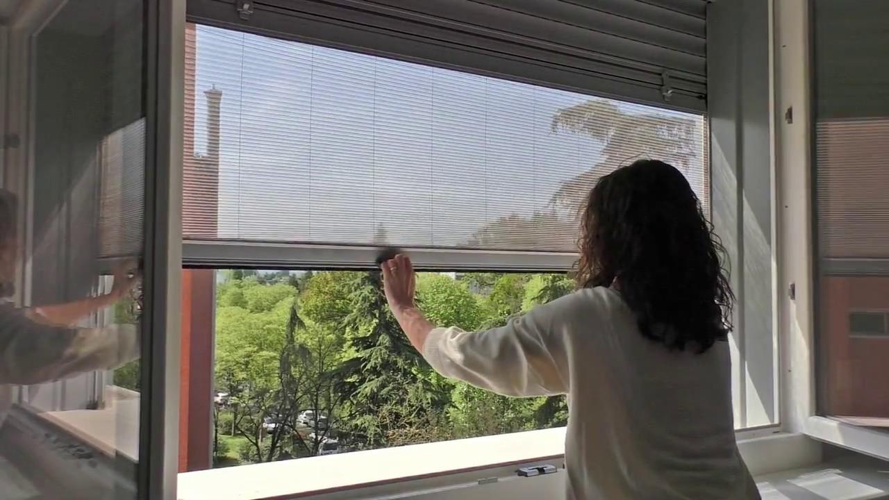Up la nuova zanzariera integrata alla tapparella youtube - Finestre con tapparelle ...