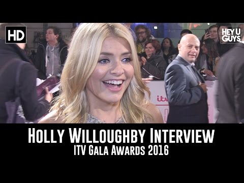 Holly Willoughby talks Mum's List & corpsing on This Morning