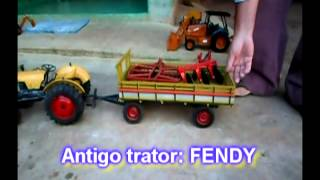 Tratores e Máquinas em Miniatura