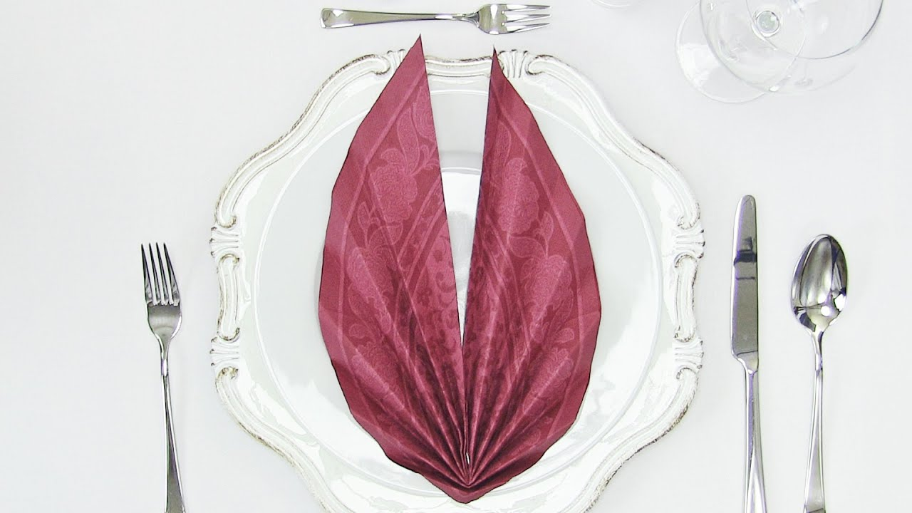 Napkin Folding for Wedding Table 🎂 How to fold a Leaf 🍀 - YouTube