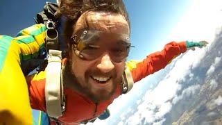 Leon pula de Paraquedas (#ultrabookrace).