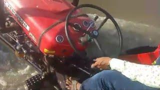 नदी जैसे मार्ग में ट्रैक्टर चलाते मौजिले मारवाड़ी, बाढ़ के समय का नज़ारा है | Super Rajasthani
