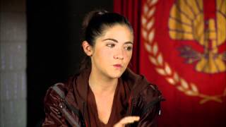 Isabelle Fuhrman (Clove) - Official Hunger Games interview