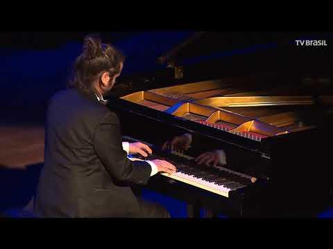 Partituras recebe o pianista Luis Rabello
